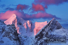 Frosty mountains on Hamnoya - Europe, Norway, Nordland, Lofoten, Moskenesoya, Hamnoy (Lapland) - digital