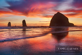 Ocean impression with Haystack Rock at Cannon Beach - North America, USA, Oregon, Clatsop, Cannon Beach - digital