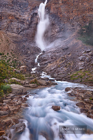 Waterfall Takakkaw Falls - North America, Canada, British Columbia, Yoho National Park, Takakkaw Falls (Rocky Mountains) - di...
