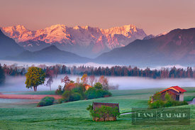 Alpine upland Murnauer Moos and Wetterstein Mountains - Europe, Germany, Bavaria, Upper Bavaria, Garmisch-Partenkirchen, Murn...