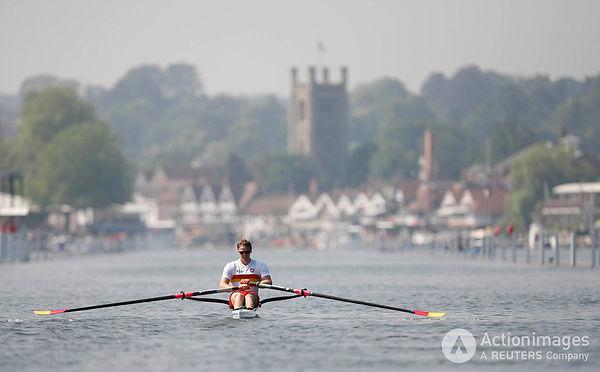 Rowing - Henley Royal Regatta - Henley-on-Thames - 2/7/09 Great Britain's Alan Campbell in action during the heats of the Dia...