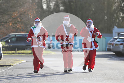 ROTAR-19-SantaFunRun-FINISH-5