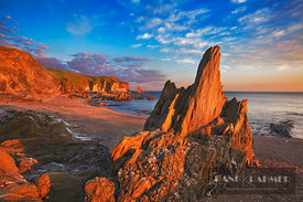 Rock landscape at Bantham Bay - Europe, United Kingdom, England, Devon, Kingsbridge, Bantham Bay - digital