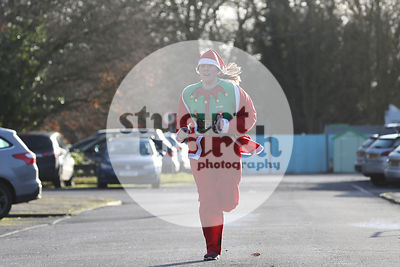 ROTAR-19-SantaFunRun-FINISH-24