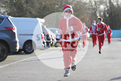 ROTAR-19-SantaFunRun-FINISH-30