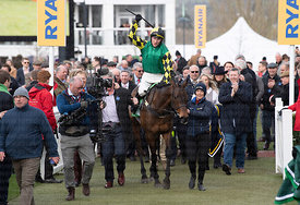 15:30  The Paddy Power Stayers' Hurdle
