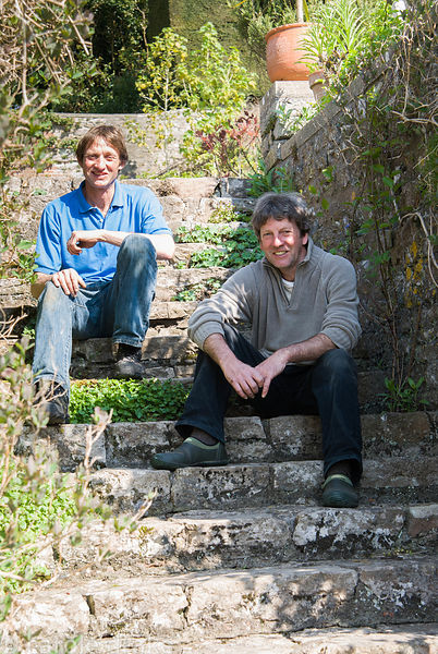 Gardeners Andrew Piper and David Milnes. Milton Lodge, Wells, Somerset, UK