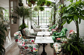 2015_BH_Buildings_garden_room_bespoke_Armchairs_dining_floral_rights_size