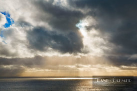 Cloud mood with sunrays - Europe, Ireland, Donegal, Killybegs, Shalwy Point - digital