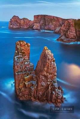 Cliff landscape on Tory Island - Europe, Ireland, Donegal, Tory Island, Dun Bhaloir - digital