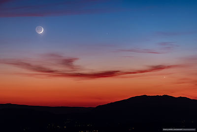 Moon, Mercury and Venus at twilight - Villaz