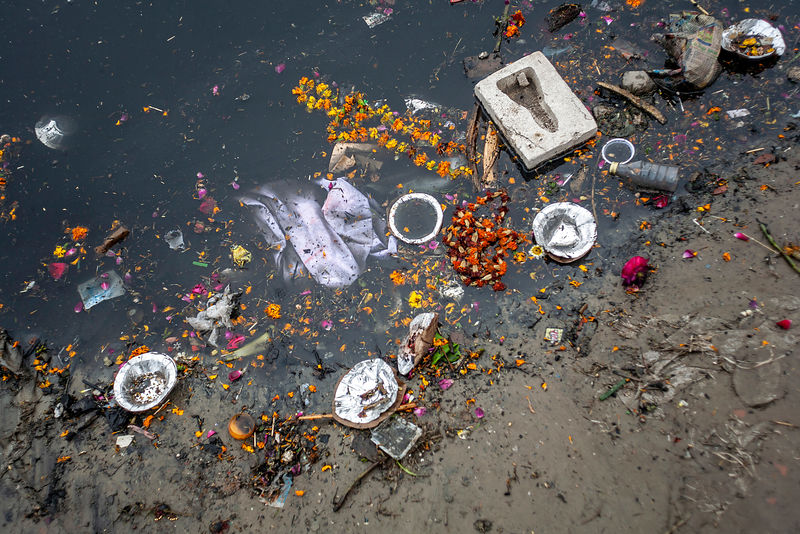 Rubbish on the banks of the Yamuna