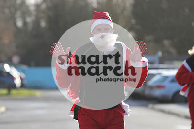 ROTAR-19-SantaFunRun-FINISH-2