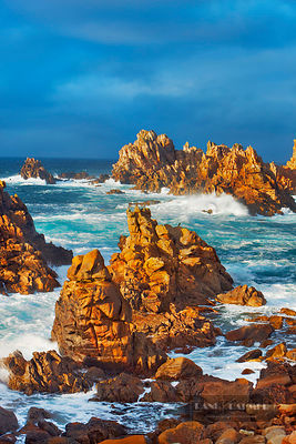 Rocky coast at Pointe de Creac'h - Europe, France, Brittany, Finistere, Brest, Ouessant, Pointe de Creac'h - digital