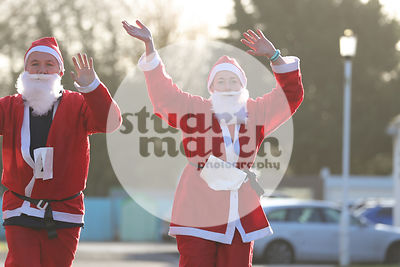 ROTAR-19-SantaFunRun-FINISH-8