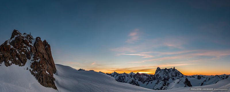 Waiting for the sun - Chamonix Mont-Blanc