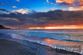 Cloud impression at ocean - Oceania, New Zealand, South Island, West Coast, Grey, Greymouth, Twelve Mile Bluff, Motukiekie Be...