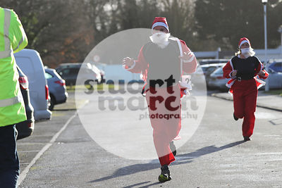 ROTAR-19-SantaFunRun-FINISH-1
