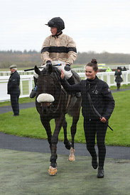 2:40  coral.co.uk Novices' Chase