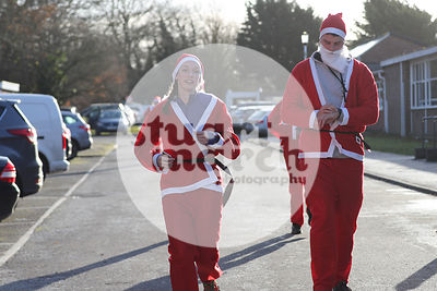 ROTAR-19-SantaFunRun-FINISH-38
