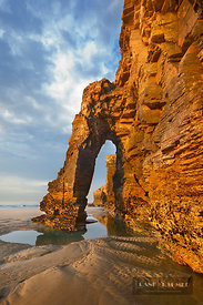 Cliff landscape with rock arch - Europe, Spain, Galicia, Lugo, Ribadeo, Playa As Catedrais (Bay of Biscay, Costa Verde) - dig...