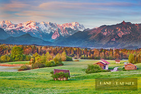 Alpine upland with Wetterstein Mountains - Europe, Germany, Bavaria, Upper Bavaria, Garmisch-Partenkirchen, Murnau (Murnauer ...