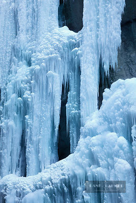 Waterfall with icicles in winter - Europe, Germany, Bavaria, Upper Bavaria, Garmisch-Partenkirchen, Partnachklamm (Alps, Wett...