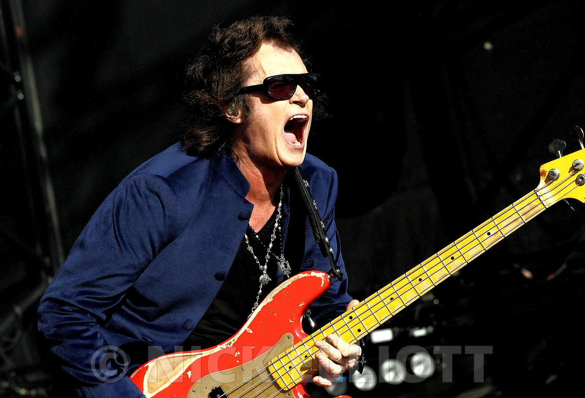 Glenn Hughes performing live with Black Country Communion at High Voltage July 2011