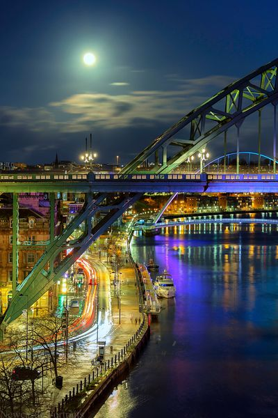 The Moon over the Tyne