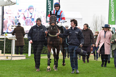 Simply_The_Betts_winners_enclosure_25012020-6