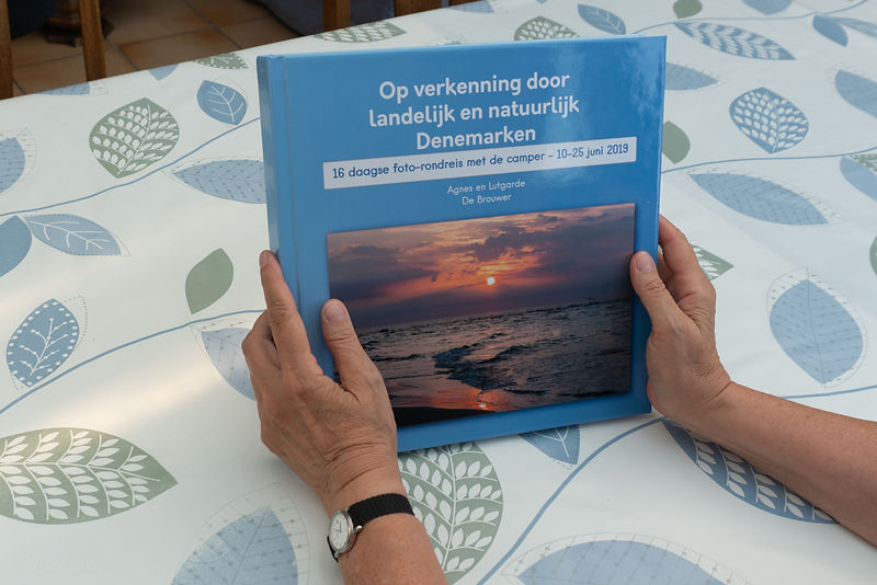 Photobook_Denmark_cover_hands