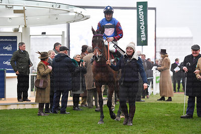 Paisley_Park_winners_enclosure_25012020-2