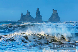 Ocean surf and Reynisdrangar islands - Europe, Iceland, Southern Region, Vik - digital - Getty image 519988856