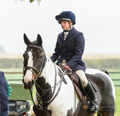 Charlotte Ayliffe - The Cottesmore Hunt at Toft