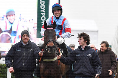 Simply_The_Betts_winners_enclosure_25012020-5