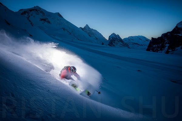 End of the day, powder and a freerider with Adrien Coirier