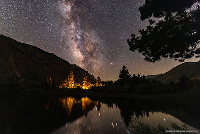 Camp fire beneath Milky Way (bis) - Intake 2 lake - California