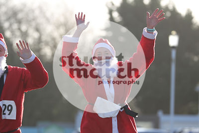 ROTAR-19-SantaFunRun-FINISH-9