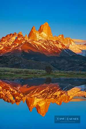 Mountain impression Fitzroy Range at sunrise - South America, Argentina, Santa Cruz, Los Glaciares, El Chalten, Mount Fitz Ro...