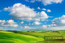 Tuscany landscape with corn fields - Europe, Italy, Tuscany, Siena, Crete, Asciano - Trequanda - digital - Getty image 157498959