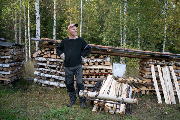 Pekka Halonen, a log-chopper.