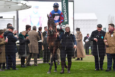 Paisley_Park_winners_enclosure_25012020-1