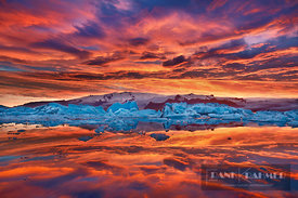 Glacier lagoon Joekulsarlon with drift ice and Vatnajoekull - Europe, Iceland, Eastern Region, Jökulsarlon (Vatnajökull Natio...