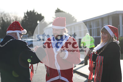 ROTAR-19-SantaFunRun-FINISH-41
