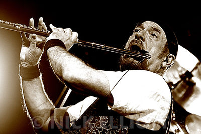 Ian Anderson performing live with Jethro Tull