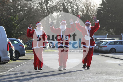 ROTAR-19-SantaFunRun-FINISH-6