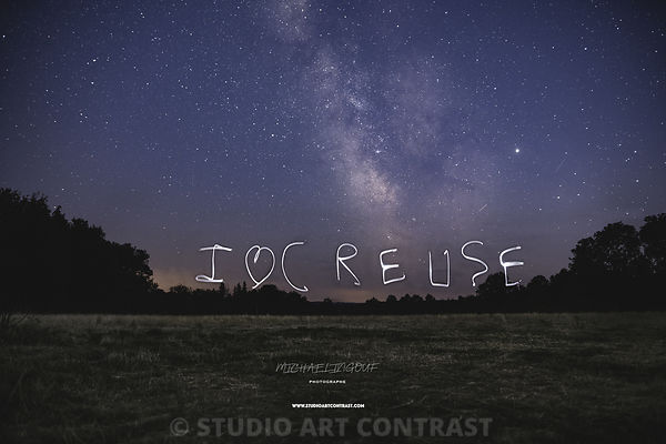 milkyway_lightpainting_I_love_creue