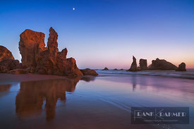 Coast landscape at Bandon Beach with moon - North America, USA, Oregon, Coos, Bandon, Bandon Beach - digital
