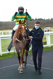 13:05 Exeter (Class 4) (4YO plus) Get Daily Tips At racingtv.com Maiden Hurdle (GBB Race)