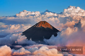 Mountain impression Agua volcano seen from Acatenango - Middle America, Guatemala, Chimaltenango, Acatenango - digital - Gett...